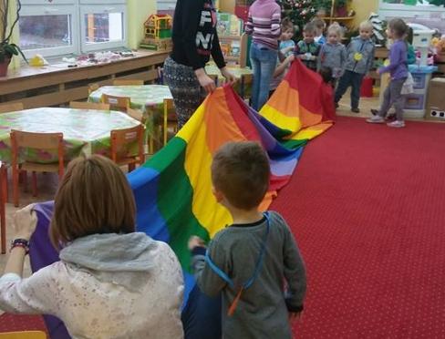 Zajęcia plastyczne i ruchowe w przedszkolu