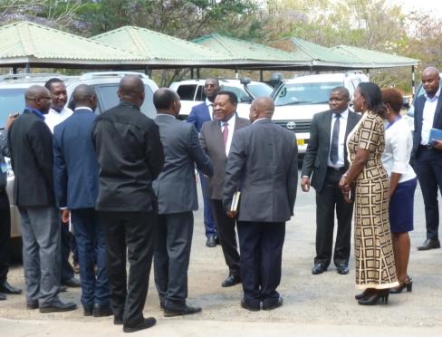 Przywitanie ministra przez władze uniwersytetu