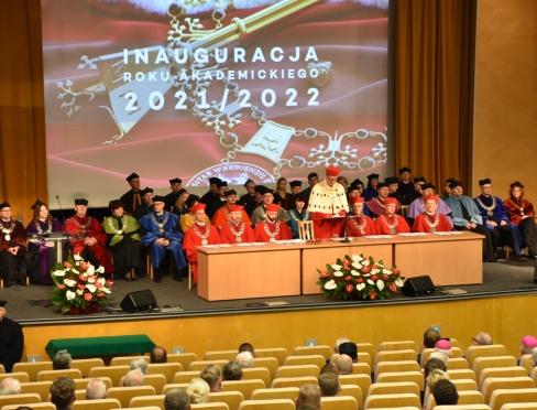 Odznaczenia państwowe i medale dla pracowników Wydziału Nauk Społecznych